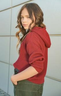 Светр з капюшоном бордовий