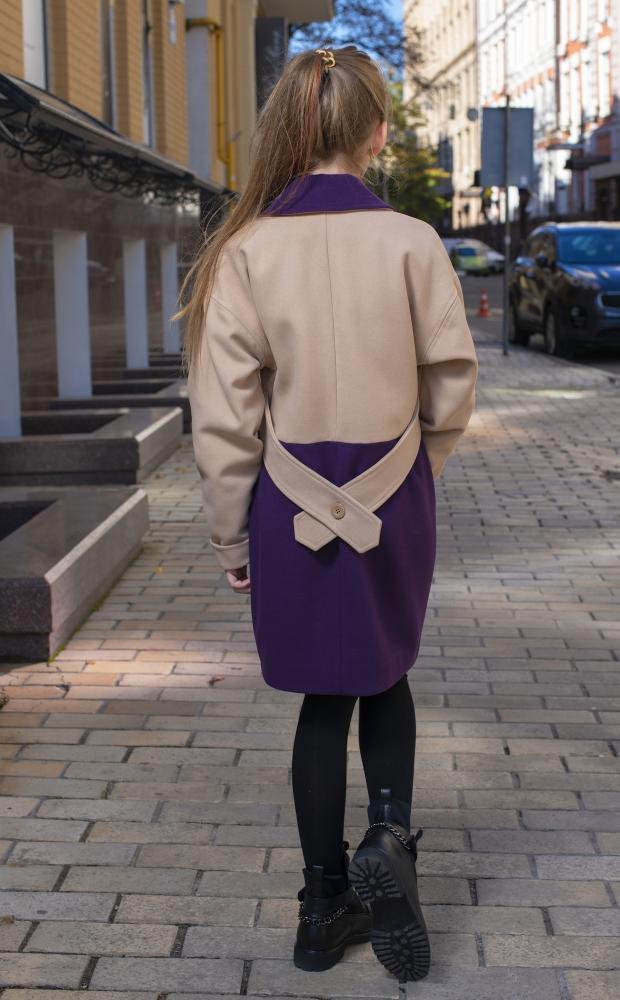 Двухцветное пальто бежево-фиолетовое