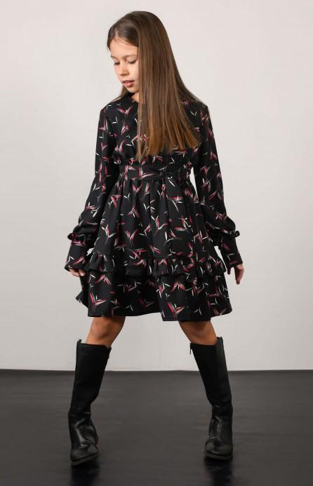 Сукня чорна з квітковим принтом