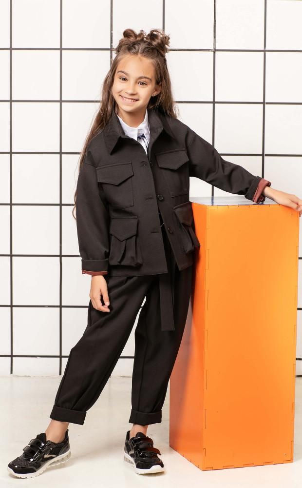 Жакет укороченный с накладными карманами