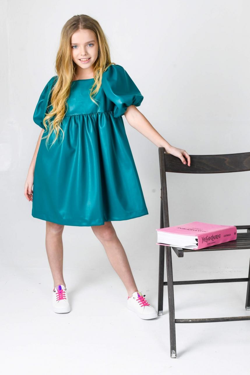 Сукня з екошкіри смарагдова