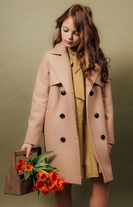 Пальто з кокеткою бежеве