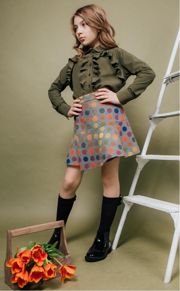 Блуза с воланами цвета хаки