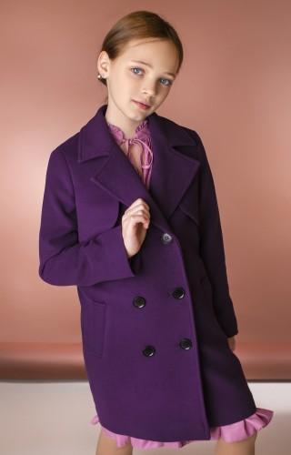Пальто с кокеткой фиолетовое