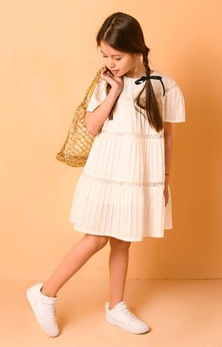 Платье из прошвы с кружевом