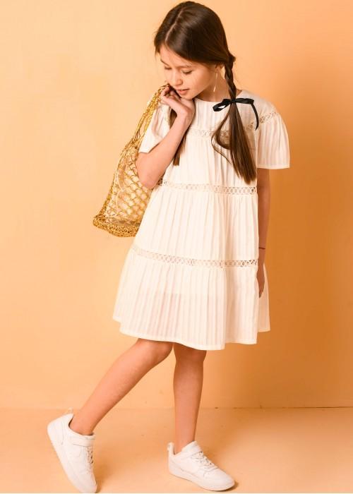 Сукня з прошви з мереживом