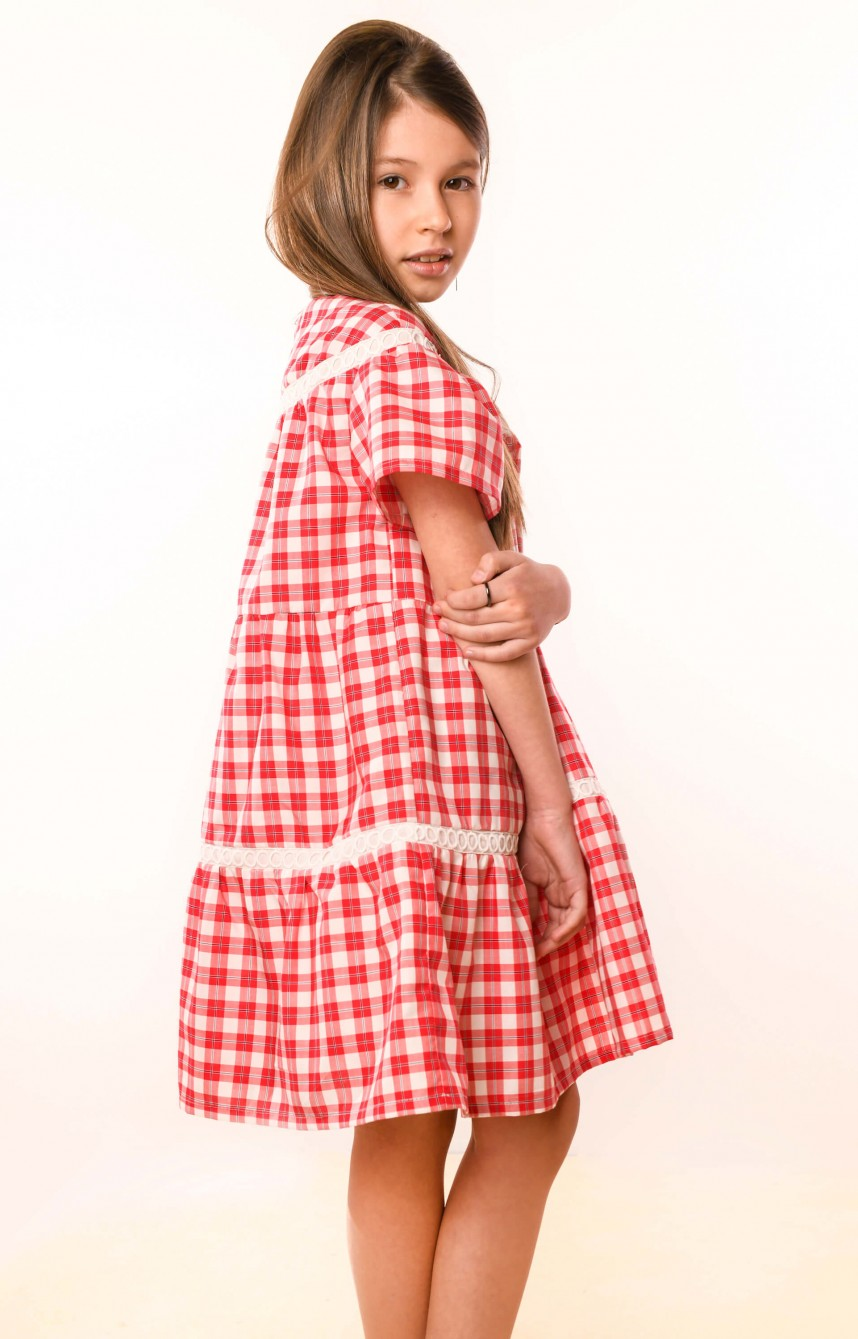 Сукня червона в клітинку з мереживом