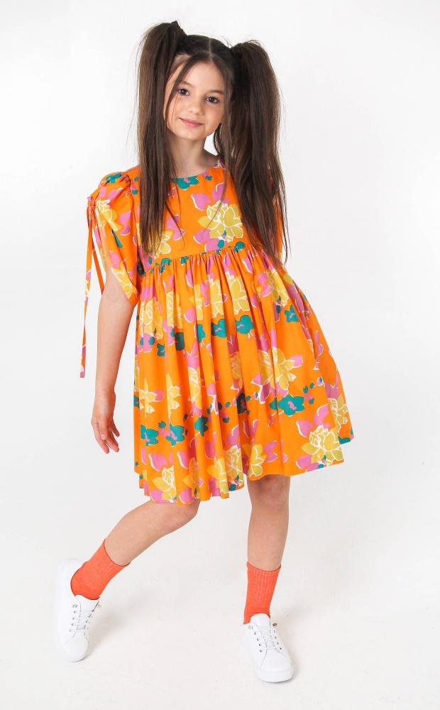 Оранжевое платье с рукавами-буфами на завязках