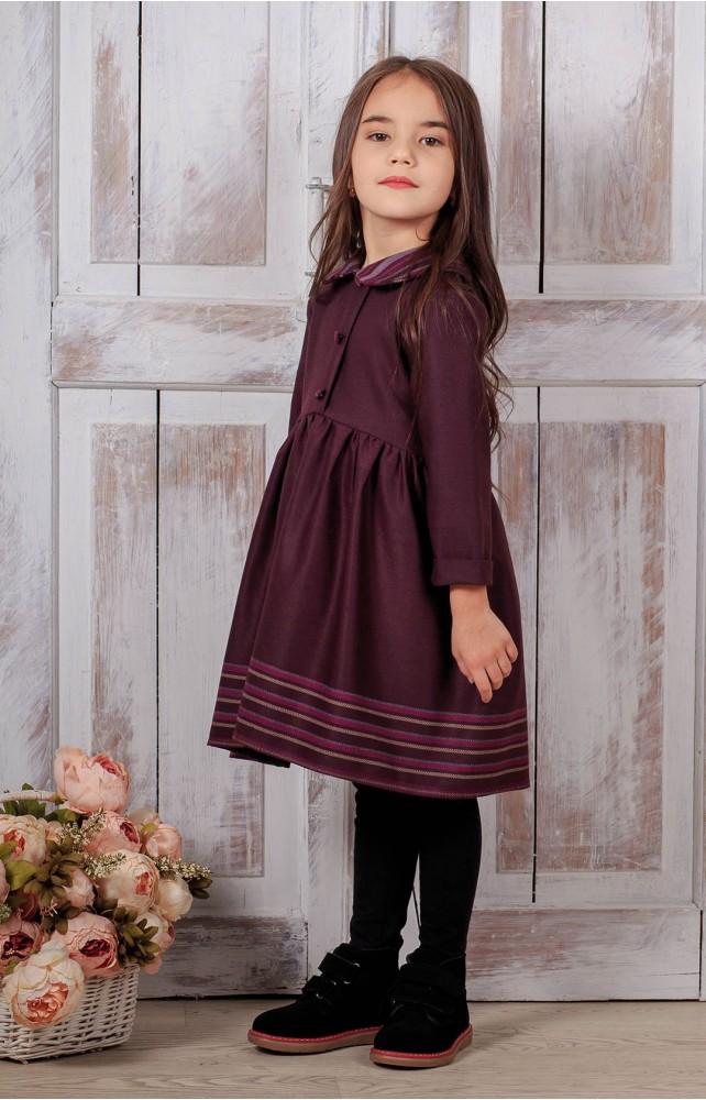 Платья с круглыми воротничками