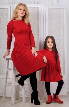 В'язані сукні для мами і донечки червоні