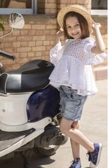 Блуза з білого вишитого батисту дитяча