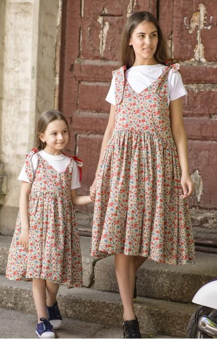 Квіткові сарафани для мами і донечки червоні